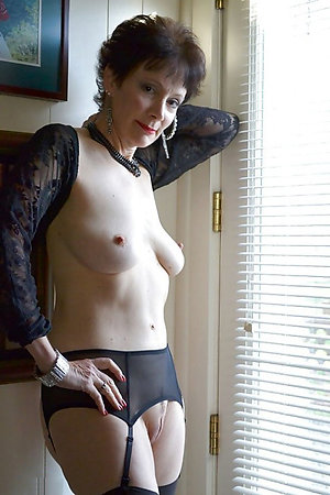 Amateur pics of mature women with big boobs