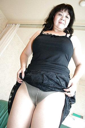 Nude beautiful asian women