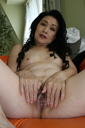 Real mature asian pic