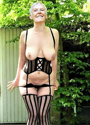 Amazing Lusy ladies in sexy lingerie