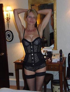 Free pics of sexy lingerie ladies
