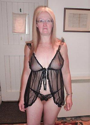 Horny sexy milf lingerie pics