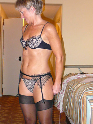 Beautiful sexy mature girls in lingerie pics