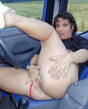 Naked horny mature woman masturbation