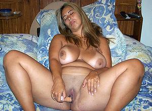Gorgeous mature hot milf masturbating