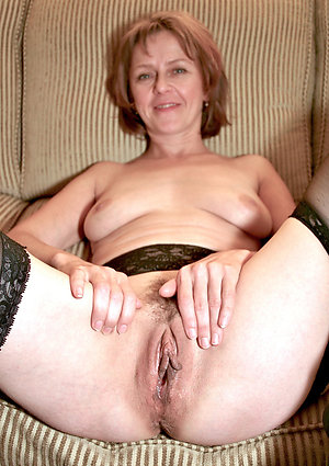 Gorgeous porn milf mom pictures