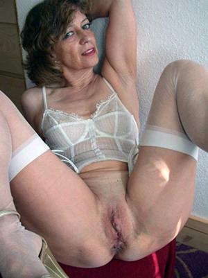 Amateur pics of free hot mom porn