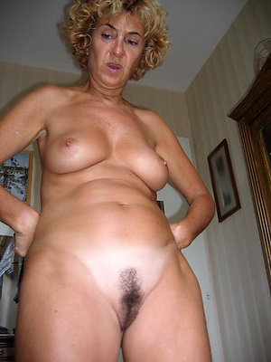 Pretty horny milf moms porn photos