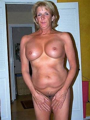 Beautiful hot best mature moms pics