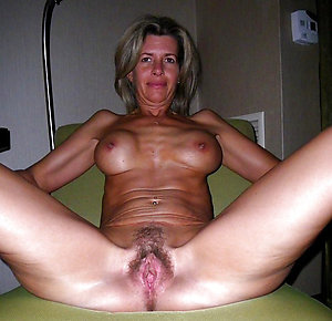 Gorgeous hairy mature moms pics