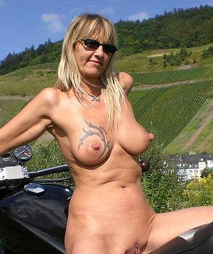 Xxx big mature nipples pictures