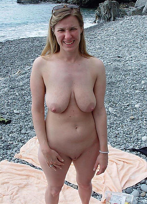 Free pics of mature outdoor nude