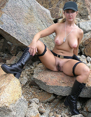 Free pics of mature nude outdoor