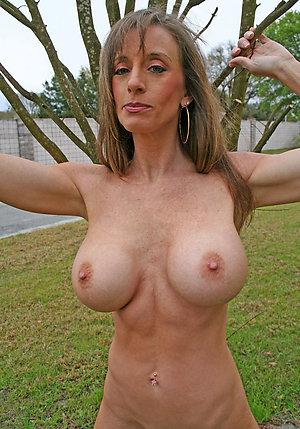 Xxx mature women nude pics