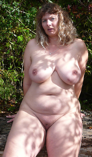 Amateur pictures of nude mature ladies