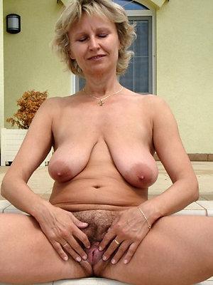 Free pics of sexy hot milf slut
