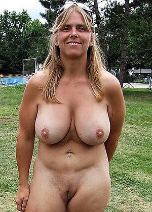 Inexperienced gorgeous women having sex