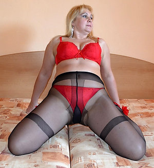 Cute amateur mature pantyhose images
