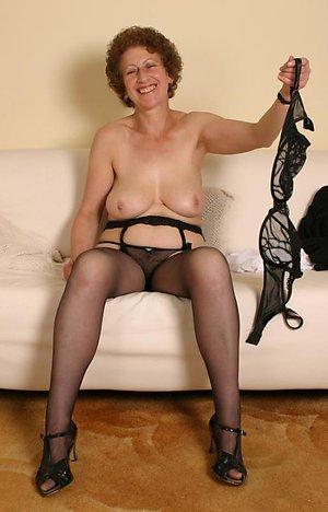 Xxx mature pantyhose porn pictures