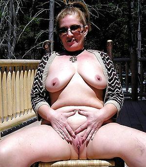 Amazing mature pussy sex pictures