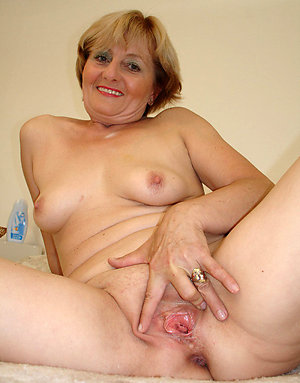 Busty sweet mature pussy pictures
