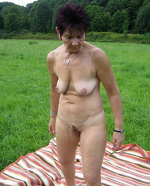 Free mature wife saggy boobs xxx