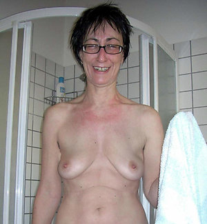 Inexperienced mature saggy tit porn pics