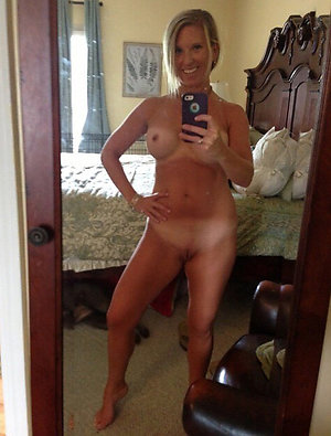 Favorite mature women sexy selfies pictures