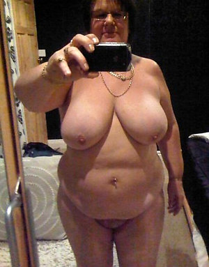 Free mature nude babes sexy selfie