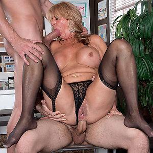 Private pics of mature women sex