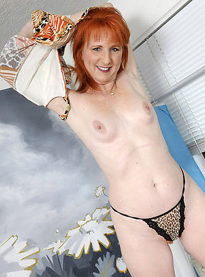 Busty sexy mature redhead pictures