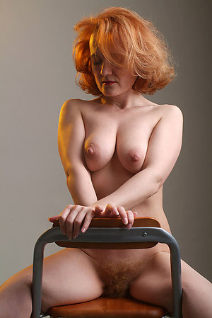 Gorgeous amateur mature redhead milf