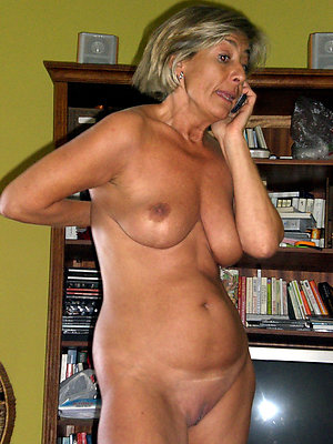 Nude mature shaved pussy pictures