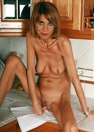 Free skinny mature nude amateur porn
