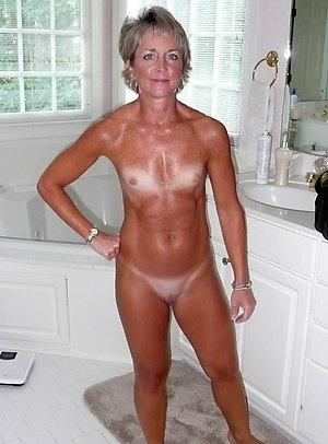 Whorish mature skinny nudes pics