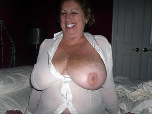 Free old wife natural tits posing nude