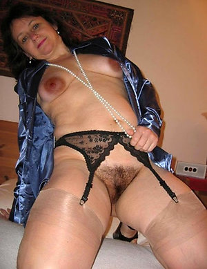 Hotties mature milf stocking pics
