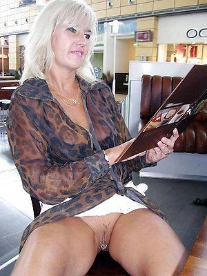 Private mature women upskirts pics