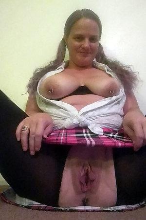 Sexy hot mom upskirt amateur pics