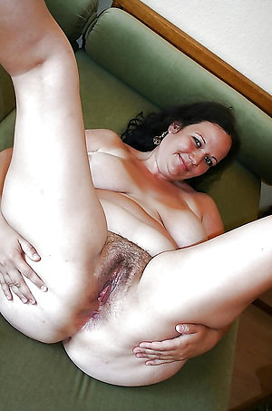 Nude mature wife homemade pictures