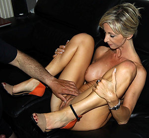 Hotties horny mature wife posing nude