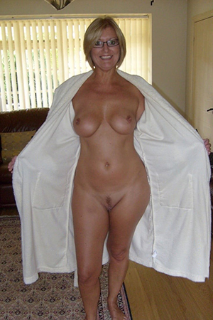 Naughty mature wife tits gallery