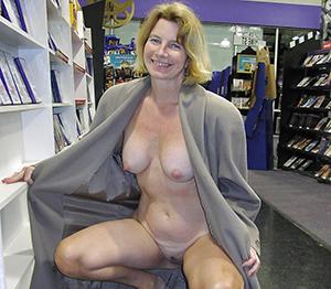 Pretty mature wife slut amateur pics
