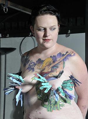 Free  naked women tattoos pics