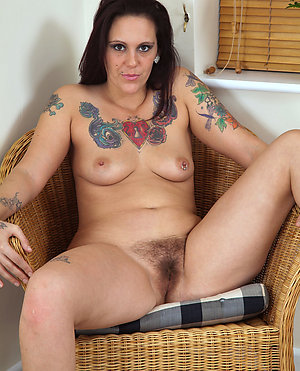 Porn pics of tattooed mature women