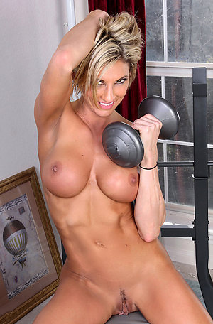 Horny muscle women nude pics