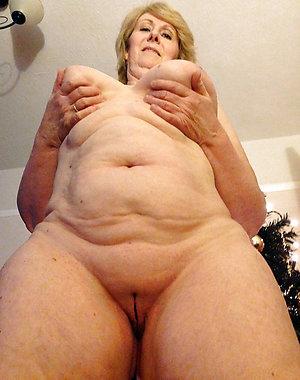 Pretty mature granny women pics