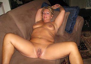 Sweet mature nude tits pictures