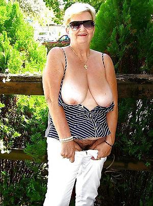 Xxx old women pussy pics