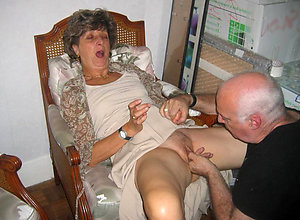 Eating Mature Pussy Pictures